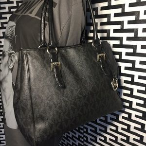 🖤🖤Beautiful Michael Kors Large Bag🖤🖤